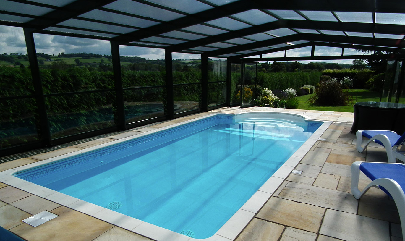 Swimming pool enclosures watford hemel hempstead for Swimming pool enclosures cost